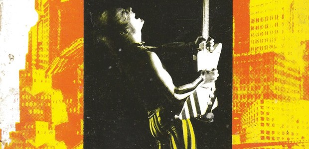 <em>Le rock, star-system et société de consommation</em>, livre de David Buxton, était épuisé. Il est réédité en e-book (format PDF), gratuit et complet par la Web-revue.