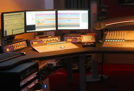 """La musique des séries télévisées: de l'underscore au sound design – David <span class=""""caps"""">BUXTON</span>"""