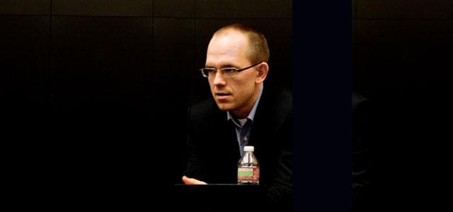 """Evgeny Morozov, critique du web-centrisme et du «solutionnisme» – Marion <span class=""""caps"""">LEMONNIER</span>"""